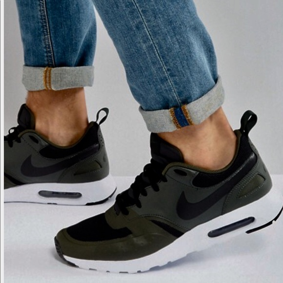new product 18ef3 e40bc 10 or 10.5 NIKE AIR MAX VISION MEN NEW